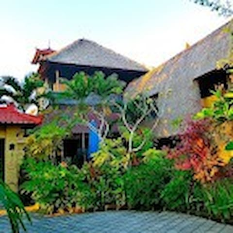 Aahh Bali B&B (B) - Jimbaran, - Bed & Breakfast