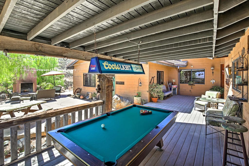 You'll have fantastic on-site amenities, including a pool table, pool and more.