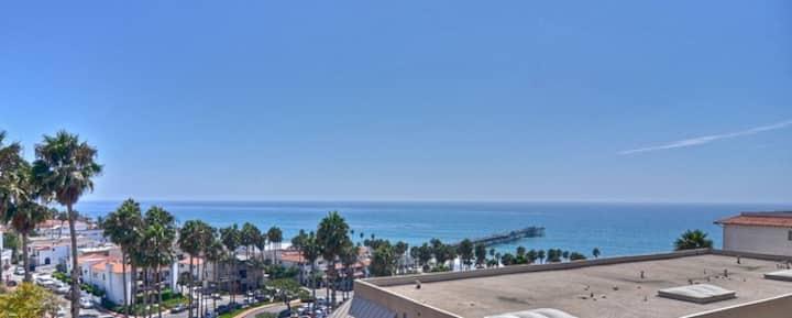 *@The Pier*Views!**Pool + Spa! *Prime Location!**