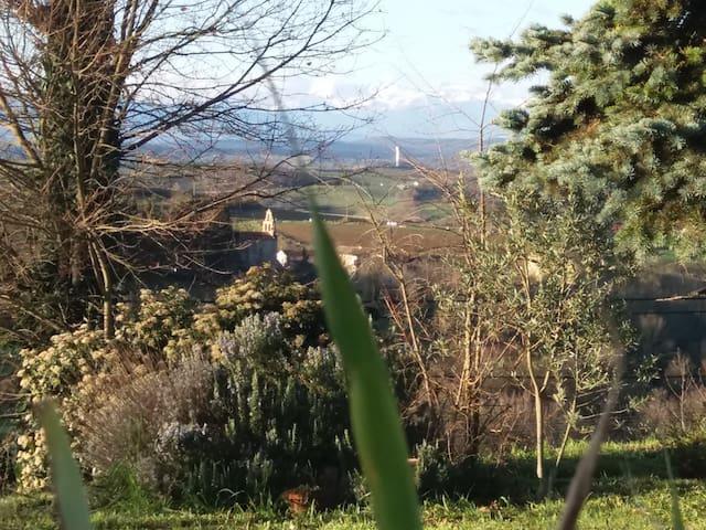 Maison avec vue sur la chaîne des Pyrénées