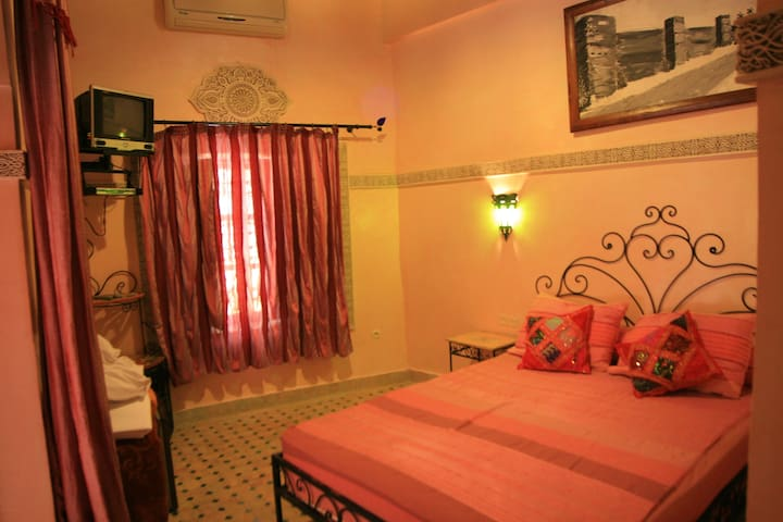 chambre single - maroc - Bed & Breakfast