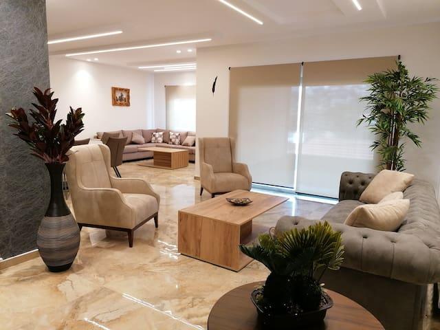 Barouk View Hotel Apartment