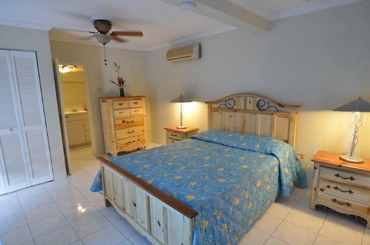 Tropical Lagoon Resort - The Almond - Port Antonio - Apartamento