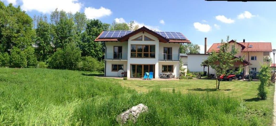 Ferienhaus im Grünen bei München - Feldkirchen-Westerham - บ้าน