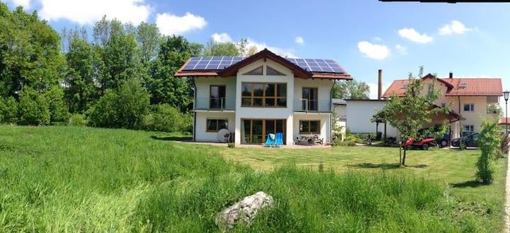 Ferienhaus im Grünen bei München