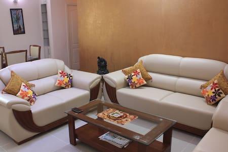 Luxurious 3BD Greater Noida home! - Greater Noida