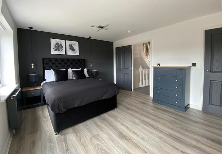 Private Luxury Ensuite Room