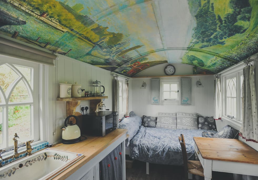 The Chapel Shepherd's Hut Sleeps 2, Double Bed