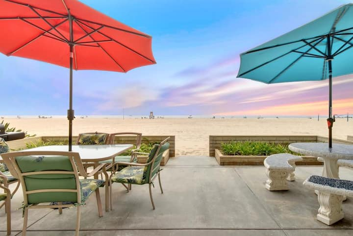 65th St - West Newport Oceanfront Home & Patio!
