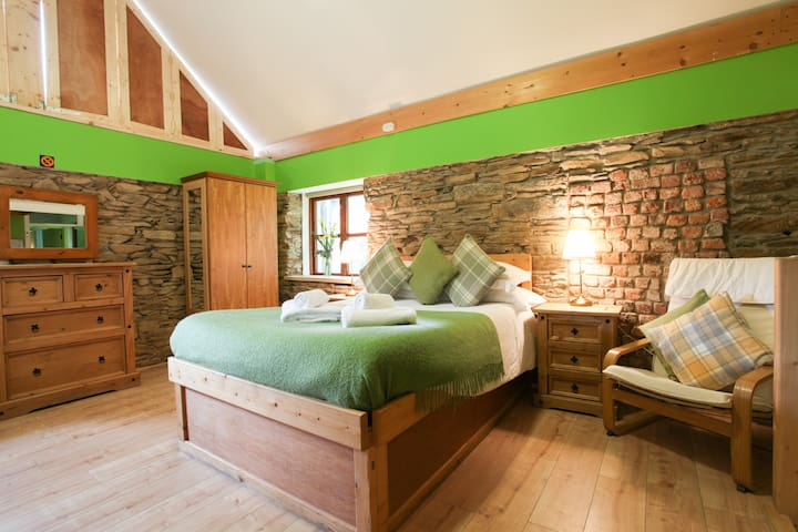 Moville Boutique Hostel - Deluxe Family Room