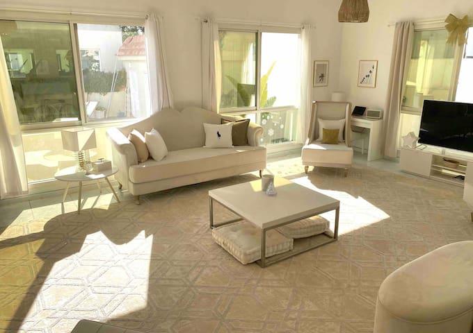 3 ensuite bedroom in a Luxury villa near the beach