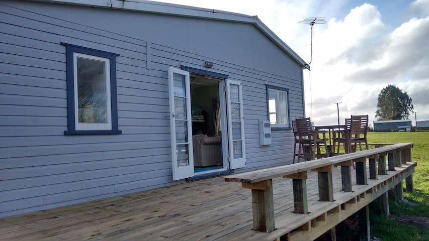 Oak Ridge Farm Cottage Rotorua - Hamurana - Guesthouse