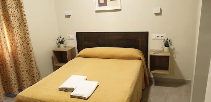 Habitación doble matrimonial con baño privado