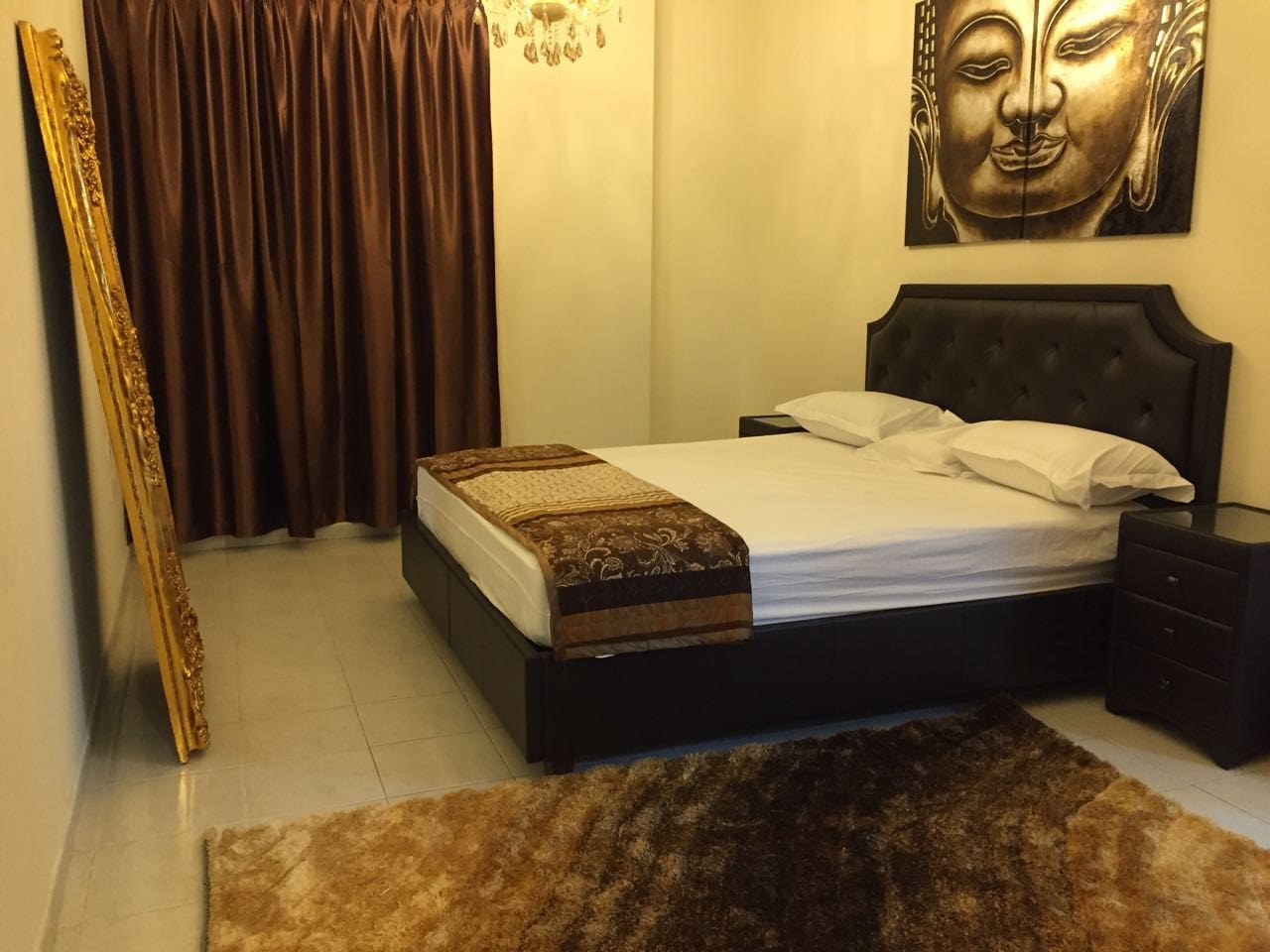 king size bed in cosy atmosphere