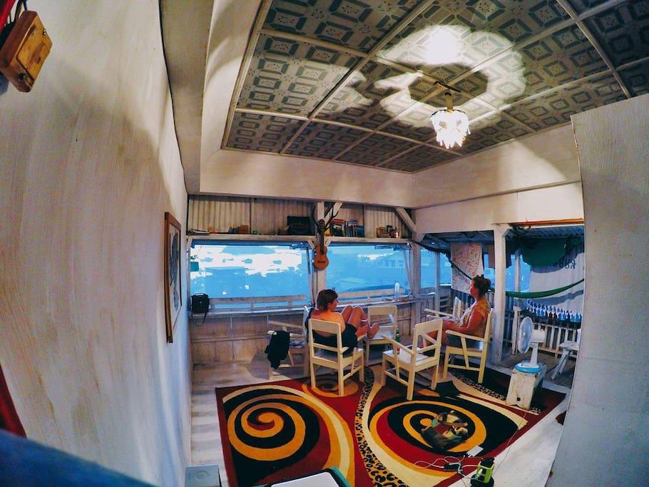 Ataflores backpackers dortoirs louer komodo nusa for Salle de bain komodo