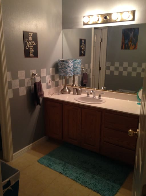 Sink and counter to get ready. Full drawers and cupboards to hold your things. Towels, hand towels and wash cloths.