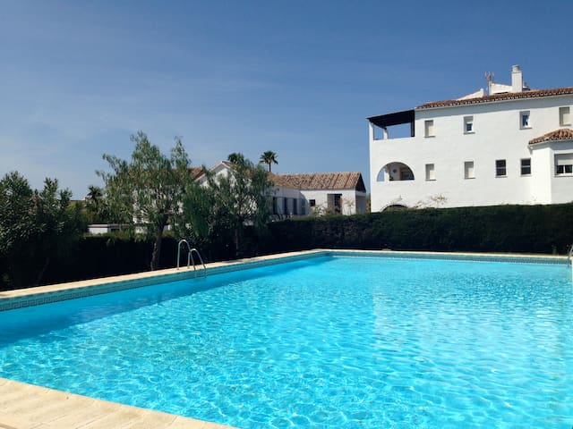 Lovely 2 bed/2 bath between Marbella and Estepona