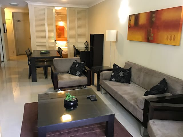Beautiful Resort Style Apartment Sleeps 4 - Westcourt - Apartemen