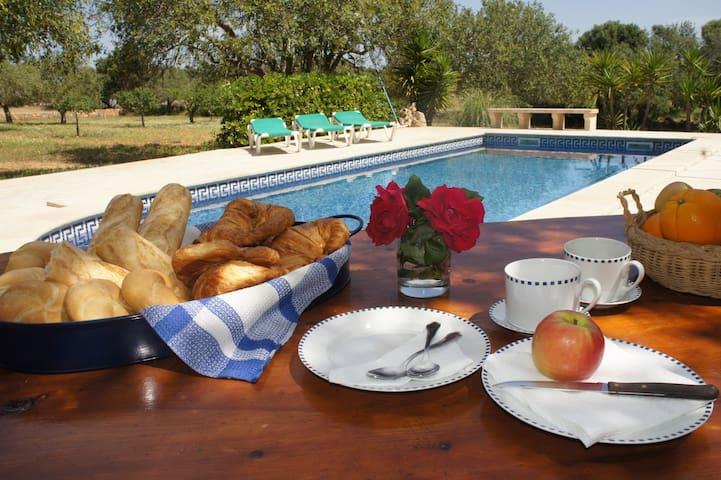 Típica casa mallorquina, con piscina privada - Santanyí - Villa