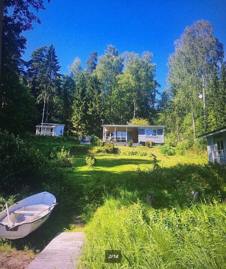Lakeside beach cottage with sauna  in Vihti
