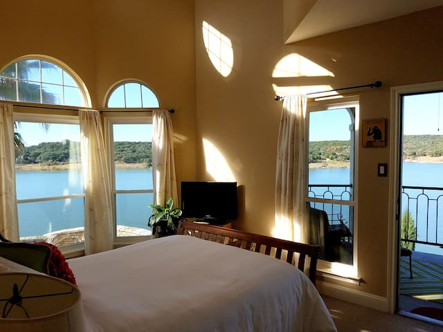 Casita Riviera-- Lake Travis at The Island - Lago Vista - Condominium