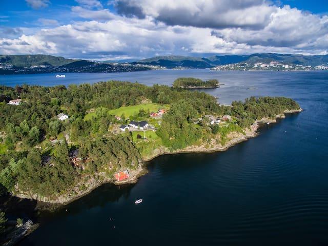 "Olsnes Resort-""Thorolvbu"" 25.min. from Bergen City - Askøy - Blockhütte"