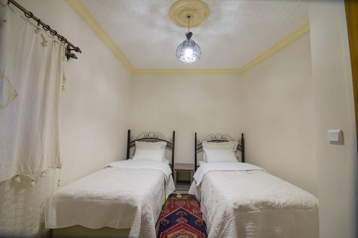 KAMELYA 3 - Standard Twin room (1-2 persons)