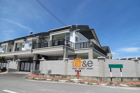 O & E Ipoh Guest House - Casa