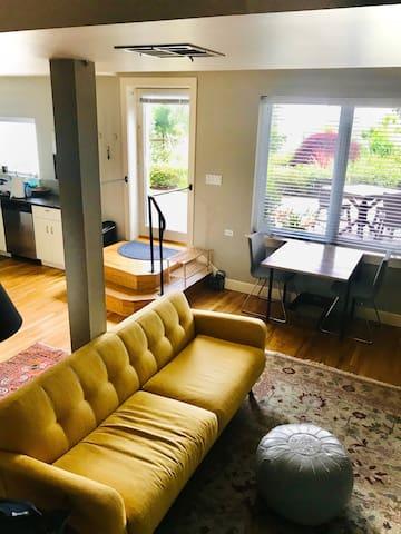 Spacious studio - elegant surroundings
