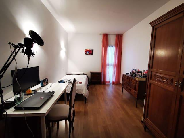 Habitación privada 10min del centro