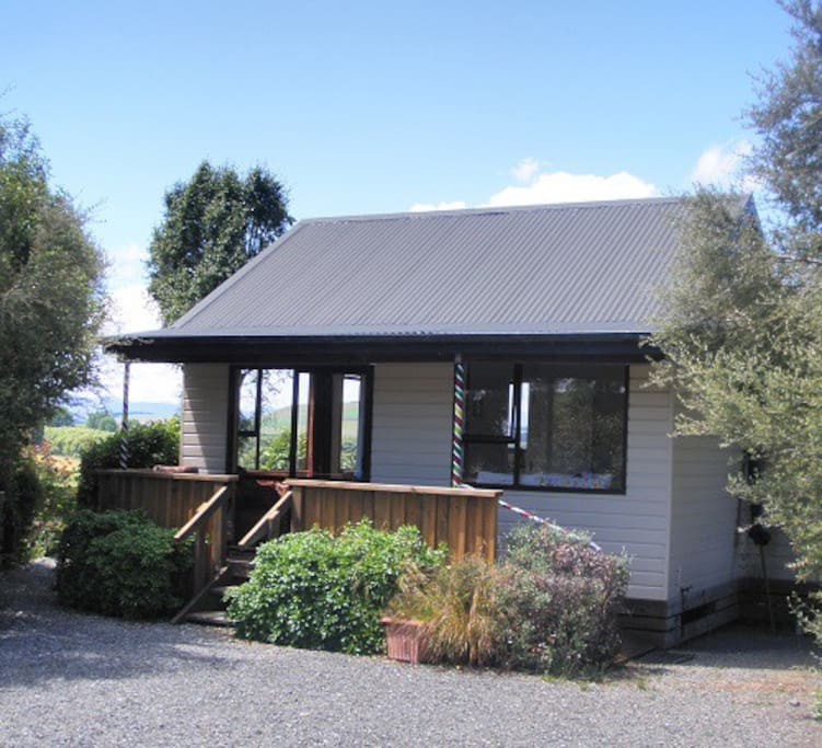 Mararoa Cottage - charming accommodation.