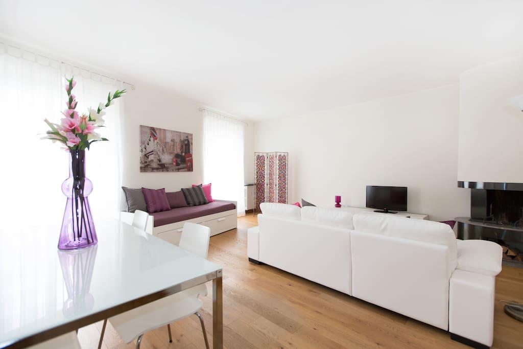 Milan city center brera design area apartments for rent for Design apartment milano city center duomo