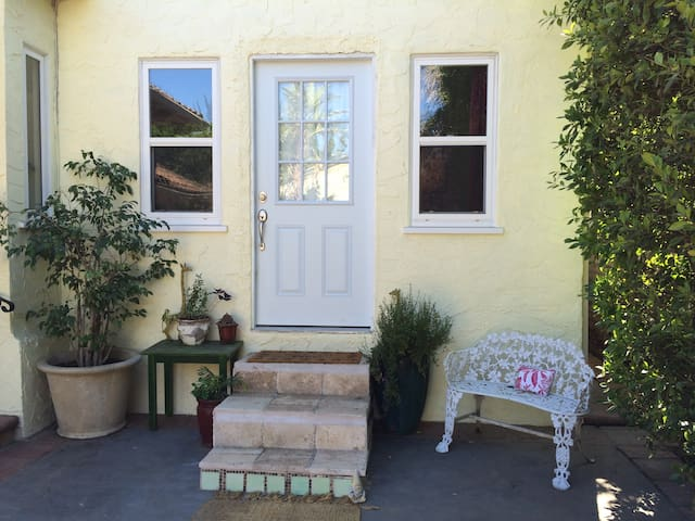 Luxury Guest House Unit elite area Sherman Oaks - Los Angeles - Dům