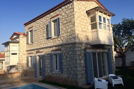 Delightful stone villa with pool - Alaçatı - Haus
