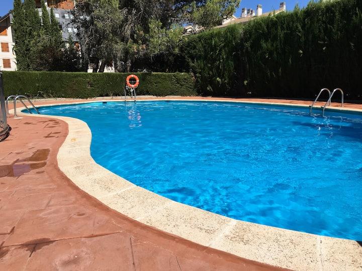Appartement avec piscine proche vieille ville Jaca