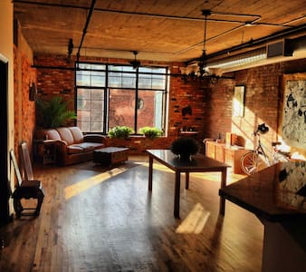Amazing, Bright, Historic Loft - Loft