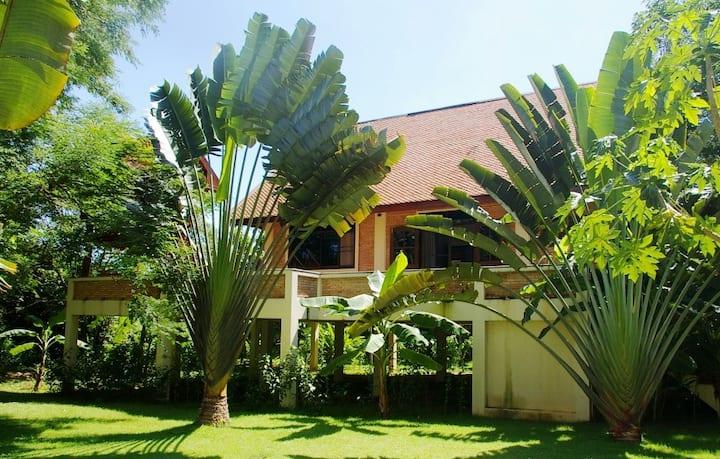 Grand Chic Thai House Tamarind