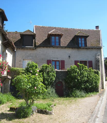 A charming old house with view! - Saint-Dyé-sur-Loire - Huis