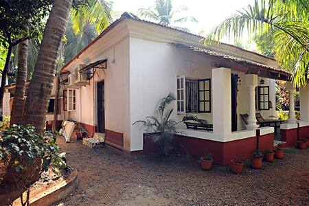 Beautiful Old Portugese Cottage - Calangute - Bungalow