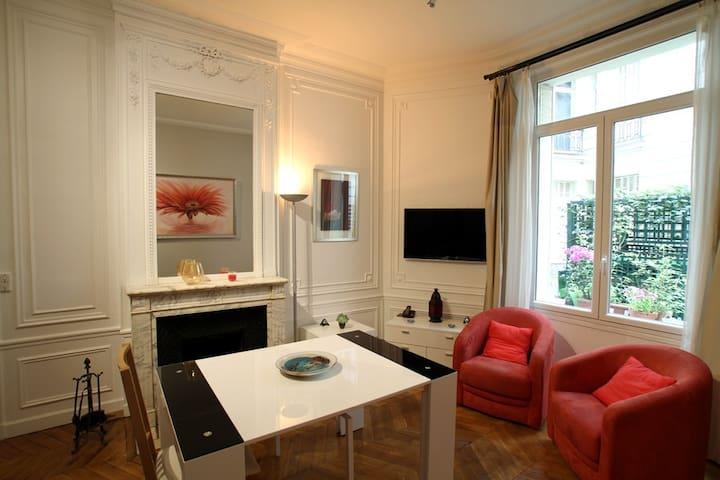 Superbe studio de 40m2- Paris Arc de Triomphe
