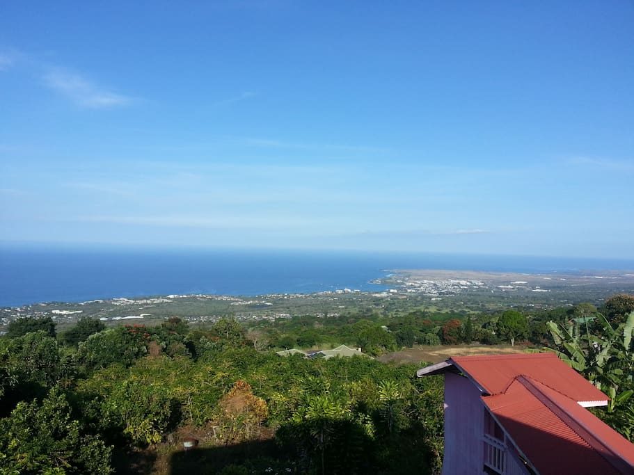 A beautiful view of Kailua-Kona and the blue Pacific Ocean