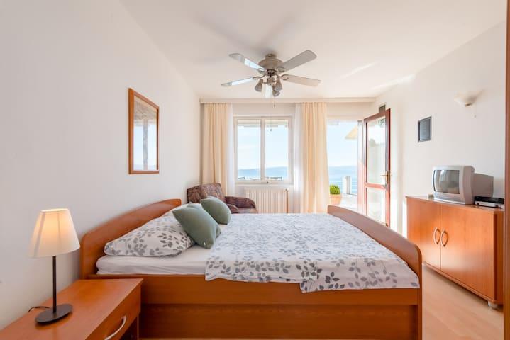 2+1 - Lovely family-run sea view apartment