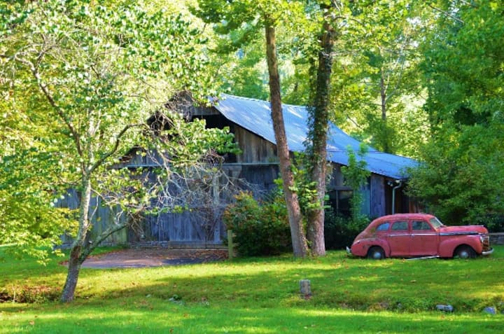 Fork Inn Barn By the Creek - Event Space Only