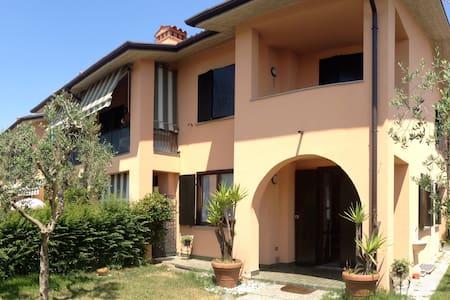 Lago di Garda B&B Nonna Cecilia - 卡斯特羅(Castello)