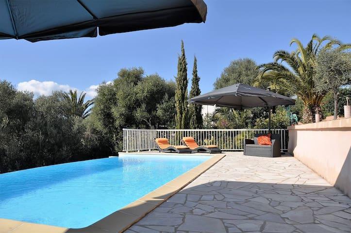 Villa avec piscine, vue mer, près d'Ajaccio - Bastelicaccia - Villa
