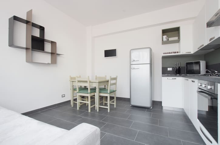 Beautiful flat (WiFi+Terrace) close to S.Pietro n6 - Roma - Apartment