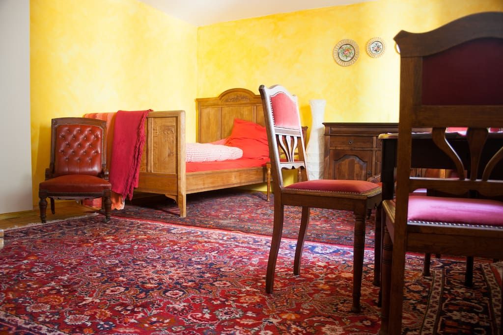 Your room - Persian carpets and antique furniture