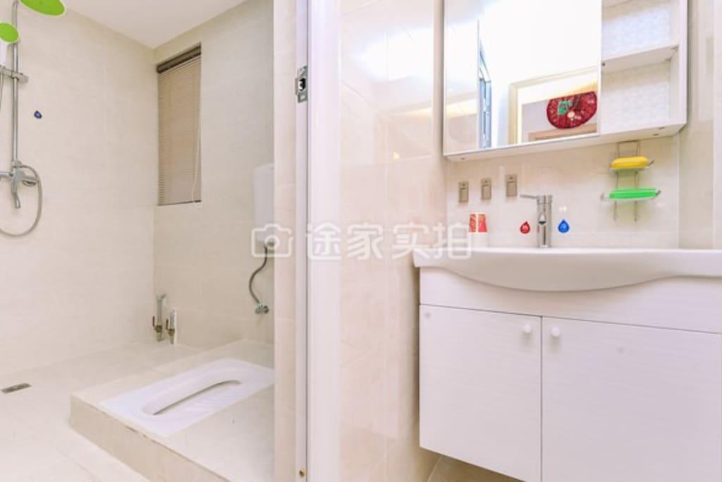 卫生间洗漱室