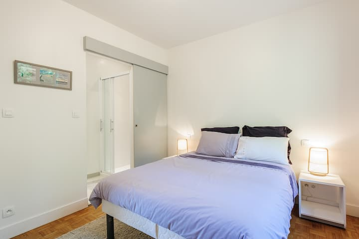 Room with Shower & Parking prx Lyon