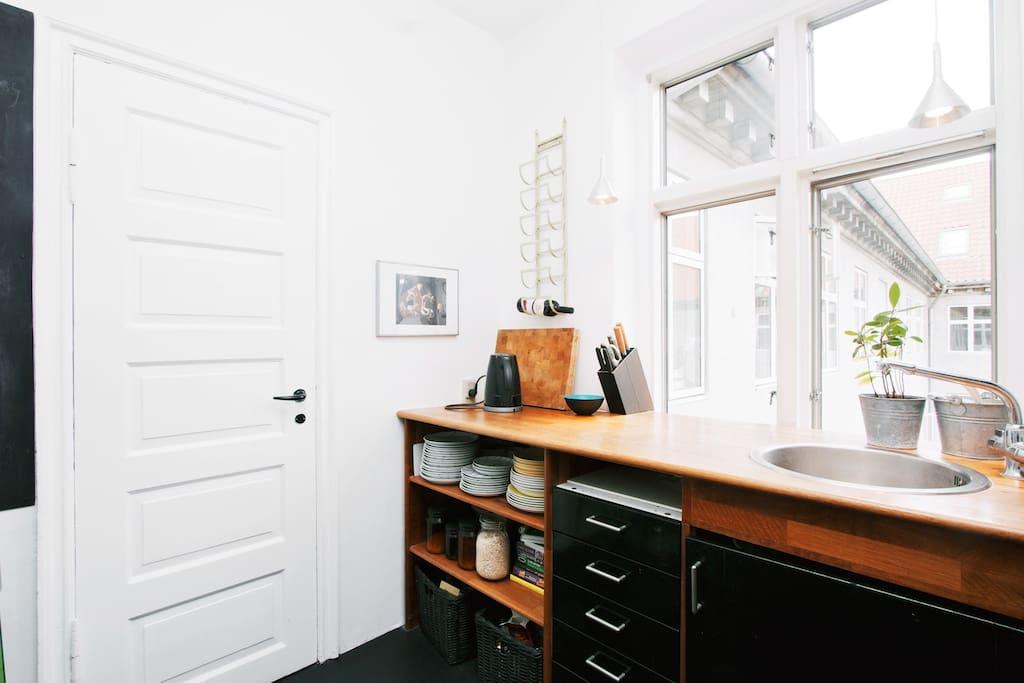 Private room in cozy/trendy area